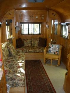 Fabulous RV Camper Vintage Bedroom Interior Design Ideas Worth to See Vintage Campers Trailers, Vintage Caravans, Camper Trailers, Rv Campers, Diy Camper, Camper Life, Camper Caravan, Happy Campers, Retro Campers