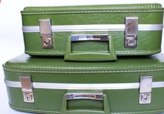 Vintage Set of 2 Hard Shell Suitcases - http://oleantravel.com/vintage-set-of-2-hard-shell-suitcases
