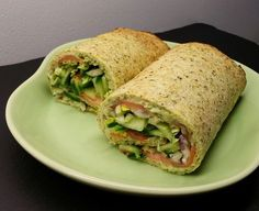 dk: Cabbage wrap with smoked salmon and avocado cream .dk: Cabbage wrap with smoked salmon and avocado cream … - Low Carb Recipes, Diet Recipes, Healthy Recipes, Healthy Foods, Salmon With Skin Recipes, Salmon Wrap, Cabbage Wraps, Sandwiches, Shellfish Recipes