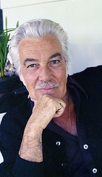 "Cesar Romero was an American actor, singer, dancer and comedian who was active in film, radio and TV for almost 60 years. In the he became famous for playing ""The Joker"" in the ABC-TV series, ""Batman. Hollywood Stars, Classic Hollywood, Old Hollywood, Michael Keaton, Adam West, Famous Men, Famous Faces, Famous People, Divas"