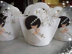 Communion Centerpieces, First Communion Decorations, Floral Centerpieces, Baby Shower Decorations, Première Communion, First Communion Party, Cute Crafts, Diy And Crafts, Toilet Roll Craft