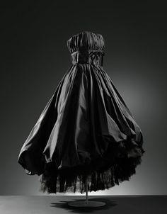 Balenciaga, Evening dress in black satin, 1952