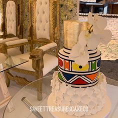 Congratulations Mr and Mrs Makopo 💫 Love love loved making this Ndebele themed wedding cake for the Makopo's. Zulu Traditional Attire, African Traditional Wedding Dress, Traditional Wedding Cakes, African Wedding Cakes, South African Weddings, Wedding Pics, Our Wedding, Wedding Ideas, Beaded Wedding Cake