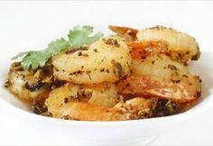 Who enjoys Asian Pepper Shrimp?   3 tbsp coconut oil 4 cloves garlic 1 ½ lb shrimp, raw, peeled, tails on 1 tbsp coconut aminos 1 tbsp fish sauce 1 tsp black pepper ¼ cup chopped fresh cilantro #Paleo #MiamiBeach #SouthBeach #health
