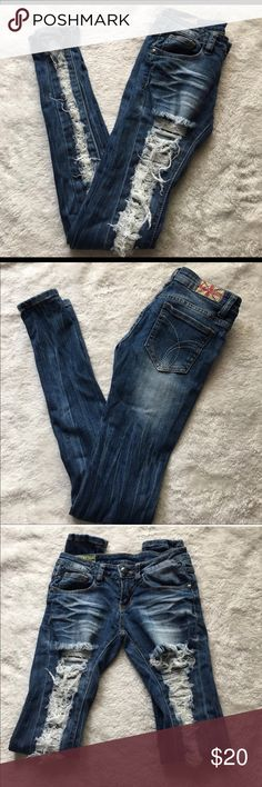"""NEW Machine Distressed Skinny Jeans Size 1 Ultra Distressed Skinny Jeans - Dark Wash New, only tried on. They are just a couple sizes too small.  For reference: I'm 5'1""""/105lb  I usually wear a 25 but these are Juniors. This Sz 1 is more like a 23/24 in my opinion.  Regular 30+"""" inseam  *Serious offers only please ❤️ machine Jeans Skinny"""