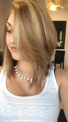 Long shattered bob  Highlights and lowlites in beige blonde hair