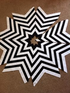 Project Run and Play: Pieced Circle Tree Skirt Tutorial by Jessica from A Little Gray