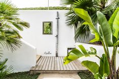 PURE HOUSE IBIZA is an amazing Boutique and Lifestyle Hotel in Ibiza island in Spain. Just a Paradise if you asking from me. Small Backyard Gardens, Backyard Garden Design, Ibiza Style Interior, Tiny House, Ibiza Island, Hotel Ibiza, Boho Beach Style, Garden Shower, Dream Beach Houses