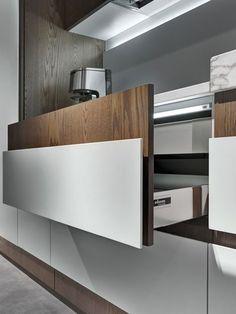 Luxury Kitchens Cozinha linear com puxadores integrados OPERA Modern Kitchen Interiors, Luxury Kitchen Design, Design Your Kitchen, Modern Kitchen Cabinets, Best Kitchen Designs, Kitchen Cabinet Design, Luxury Kitchens, Kitchen Flooring, Rustic Kitchen