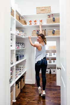 Ideas for the Pantry Organization: Tips for Organizing Your Pantry how to organize your pantry – pantry organization tips - Own Kitchen Pantry Pantry Room, Kitchen Organization Pantry, Kitchen Pantry, Pantry Ideas, Pantry Shelving, Pantry Storage, Storage Room, Shelves, Organisation Hacks