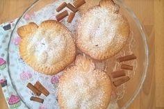 I biscotti di pasta frolla mele e uvetta sono dei dolcetti esteticamente molto simpatici ma soprattutto buonissimi. Ecco la ricetta