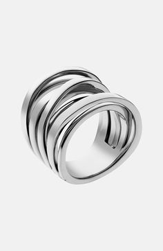 Totally crushing on this intertwined ring - LOOK @mamaekw silver (it's not white gold, but good enough??)