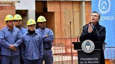 """MACRI JUSTIFICA EL AUMENTO DEL GAS EN LA NECESIDAD DE CONSUMIR LA MINIMA ENERGIA POSIBLE""""   Nada de estar en casa en remera y en patas El Presidente apeló a la ecología para fundamentar el desmesurado aumento de tarifas porque la energía daña el medio ambiente entonces por eso vienen estas inundaciones y después las sequías. Por eso instó a abrigarse en el hogar. El presidente Mauricio Macri ya encontró la solución para los aumentos de tarifas de gas y electricidad: hay que consumir lo…"""