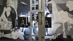 Un robot viaja al interior del «Guernica»