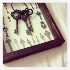 21 keys collection finally completed and ready to hang on the wall! Old Keys, Key To My Heart, Canvas Crafts, Steampunk, Creativity, Arts And Crafts, Photo And Video, Wall Art, Artwork