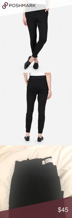 "Everlane Street fleece pant Cozy Everlane Street fleece pant joggers. Elastic waist and zippers at the ankle. Loved the pants, just not on me - they're NWOT, never worn. Search ""Street fleece pant"" on the Everlane website for detailed sizing and product specs. Everlane Pants Track Pants & Joggers"