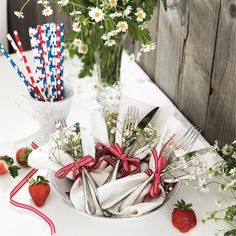 Table Decorations, Norway, Holidays, Home Decor, Instagram, Holidays Events, Decoration Home, Room Decor, Holiday