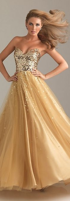 <3 Love this - so beautiful for a black tie event, wedding, cruise or any special occasion where you want to feel special.