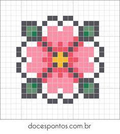 Modèle de fleur à réaliser en perles à repasser #diy #hama #fleur #flower…