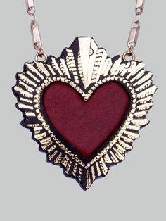 Sacred Heart Pendant - Rosita Bonita