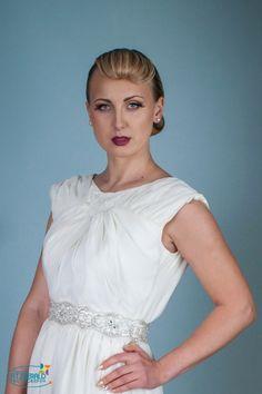 One Shoulder Wedding Dress, Facebook, Wedding Dresses, My Style, Fashion Design, Bride Dresses, Bridal Gowns, Weeding Dresses, Wedding Dressses