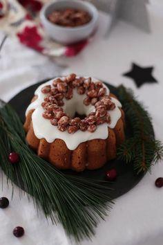 Bei uns gab es die letzten Tage jede Menge weihnachtliches Backwerk :-).      u.a. einen leckeren Orangenkuchen ...      ... mit selbst...