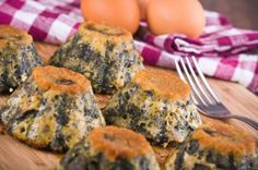 Skinny Spinach Parmesan Cakes - Nutrition Twins with nutritional yeast and yogurt? A Food, Good Food, Food And Drink, Yummy Food, Nutrition Education, Nutrition Program, Nutrition Tips, Nutrition Month, Nutrition Activities