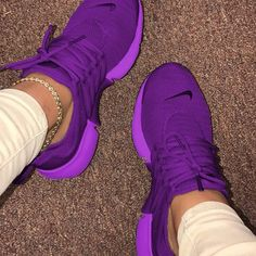 Moda Sneakers, Cute Sneakers, Sneakers Mode, Sneakers Fashion, Fashion Shoes, Chunky Sneakers, Chunky Heels, Fashion Fashion, Trendy Fashion