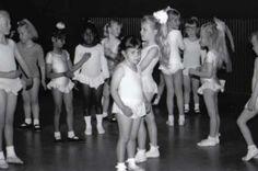 Zwemles, ballet, scouting, voetbal of toch muziekles? Wat zijn de clubjes waar jullie kinderen naar toe gaan? http://www.mamaliefde.nl/blog/hobby-sport-zwemles-scouting-muziek-ballet-voor-kleuter/