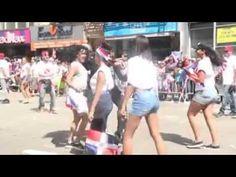 نيويورك: رجل أمن يرقص السالسا بمهارة في الكرنفال