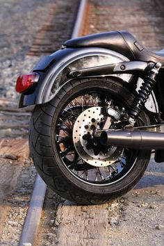 Black Betty Dual Disc Club Style Street Bob Photoshoot - Harley Riders USA Forums
