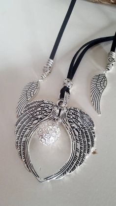 Angel wing, Angel whisperer slide choker, silver plated, Angel vegan Choker, Hippie, woman vegan adjustable, slide choker Check out our Bracelets and Earrings for matching pieces ! can I choose different sizes ? Bracelets: Choose from the dropdown menu the length of your wrist. We