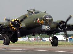 "B-17 ""MEMPHIS BELLE"""