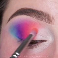 Makeup looks: colorful eye makeup tutorial Makeup Eye Looks, Eye Makeup Art, Colorful Eye Makeup, Cute Makeup, Diy Makeup, Makeup Inspo, Eyeshadow Makeup, Makeup Inspiration, Pastel Goth Makeup