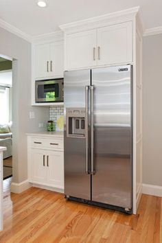 Rearrange your kitchen refrigerator cabinet . It's similar to getting a brand new piece to get a room that you shopped in your own home. Kitchen Pantry Cabinets, Modern Kitchen Cabinets, Modern Farmhouse Kitchens, Kitchen Cabinet Design, Home Kitchens, Bar Kitchen, Country Kitchen, Kitchen Stove, Kitchen Modern