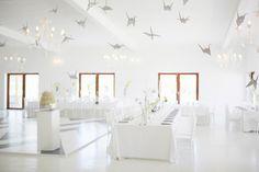 Real Wedding at Kleinevalleij - White wedding decor with silver origami birds