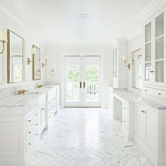 10 Gorgeous Timeless Design Ideas {The Fox Group} - Hello Lovely Calcatta marble is set in a herringbone pattern on the floor of a luxurious bathroom. Marble Bathroom Floor, White Marble Bathrooms, White Master Bathroom, Bathroom Flooring, Small Bathroom, Bathroom Modern, Gold Bathroom, Bathroom Ideas, 50s Bathroom