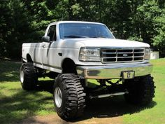 97 nice old body style ford diesel Classic Pickup Trucks, Ford Pickup Trucks, 4x4 Trucks, Custom Trucks, Lifted Trucks, Cool Trucks, Cool Cars, F150 Lifted, Truck Flatbeds