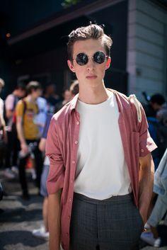 Street style at Milan Men's Fashion Week Spring 2017 [Photo: Kuba Dabrowski]
