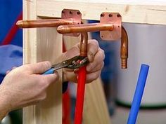 How to Install a PEX Plumbing System   DIY Network
