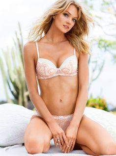 Lindsay Ellingson: VS Lingerie 2014 - Posted on October 2014 Vs Lingerie, Lingerie Models, Lindsay Marie, Lindsay Ellingson, Victoria's Secret, Si Swimsuit, Sweet Girls, Beautiful Women, Vogue