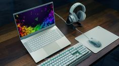 Razer launches latest Blade gaming laptop and limited Mercury edition Laptop Gaming Setup, Gaming Room Setup, Gaming Computer, Desk Setup, Pc Setup, Pc Portable Asus, Macbook, Sims 4 City Living, Desktop