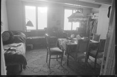Living room at Anne Frank's Secret Annex, Amsterdam februari 1986.