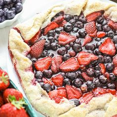 Rustic Strawberry Blueberry Pie - easy and delicious summer tart recipe. Plus, close to 100 Red White and Blue food, decor, and craft ideas.