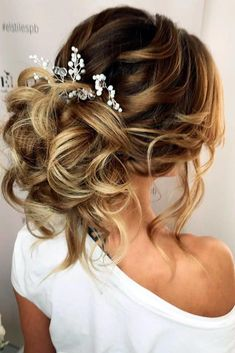 Half-updo, Braids, Chongos Updo Wedding Hairstyles / www. - - Half-updo, Braids, Chongos Updo Wedding Hairstyles / www. Top Knot Hair Styles Ideas 2019 Top Knot Hair Styles Ideas and all Trends fo. Curled Wedding Hair, Wedding Hair And Makeup, Wedding Updo, Chic Wedding, Trendy Wedding, Wedding Nails, Hair Up Styles Wedding, Bridal Hair Updo Elegant, Bridesmaid Hair Updo Elegant