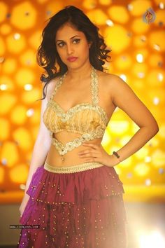 Actress Priya Banerjee In Joru Movie Actress Priya, Aunty In Saree, Desi Models, Navel Hot, Actress Navel, Indian Models, South Indian Actress, India Beauty, Asian Beauty