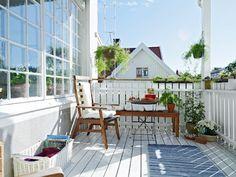 hermoso balcón- cute white balcony