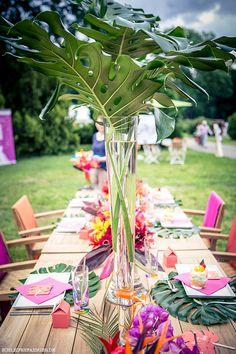 Tropisches Hochzeits-Inspirationsshooting in leuchtenden Farben