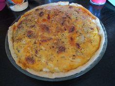 chorizo, poivre, oeuf, emmental, pomme de terre, oignon, huile d'olive, crème liquide, bûche de chèvre, pâte brisée, sel, herbes de provence, poivron