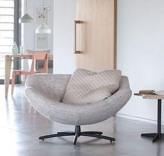 Combo Design is officieel dealer van Label!  ✓Gigi fauteuil makkelijk bestellen ✓ Gratis offerte aanvragen ✓ Altijd de scherpste prijs French Provincial Chair, Cafe Chairs, Desk Chairs, Egg Chair, Accent Chairs, Interior, Furniture, Design, Home Decor